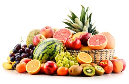 alimentacion equilibrada: Composición con variedad de frutas. Dieta equilibrada