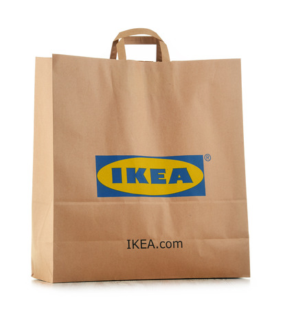 POZNAN, POLEN - NOV 3, 2016: IKEA is in 1943 opgericht in Zweden en is 's werelds grootste meubelverkoper, heeft 384 winkels in 48 landen en verkoopt ongeveer 12.000 producten