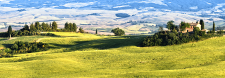 val: Landscape view of Val dOrcia, Tuscany, Italy. UNESCO World Heritage Site