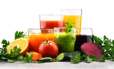 Glasses with fresh organic vegetable and fruit juices. Detox diet 스톡 콘텐츠