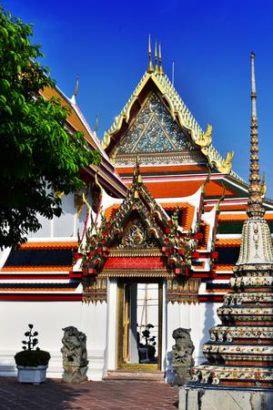 Wat Pho or Temple of the Reclining Buddha in Bangkok, Thailand. Standard-Bild