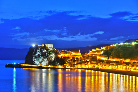 The city of Scilla in the Province of Reggio Calabria, Italy. Archivio Fotografico - 102570026