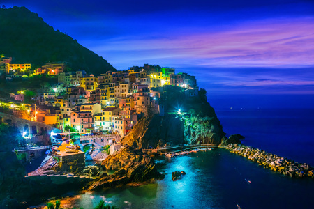 Picturesque town of Manarola, in the province of La Spezia, Liguria, Italy Banco de Imagens