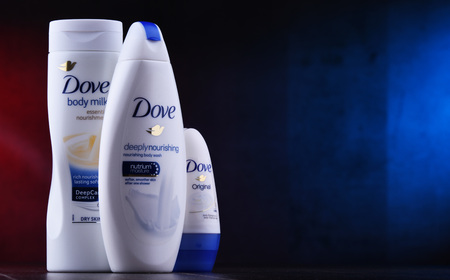 POZNAN, POL - DEC 5, 2018: Dove products. Introduced to the British market in 1955, Dove is a personal care brand, now owned by Unilever and sold in more than 80 countries Redactioneel