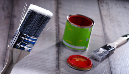 Medium size paintbrush for home decorating purposes. Standard-Bild - 118910220