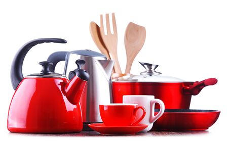 Composition with kitchen vessels, kettles and cups isolated on white Stockfoto