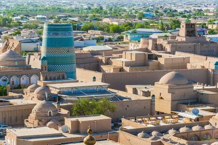 Historic architecture of Itchan Kala, walled inner town of the city of Khiva, Uzbekistan. 免版税图像