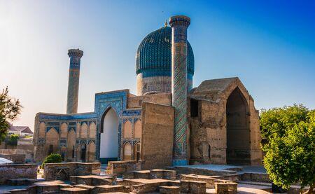 Gur-e-Amir or Guri Amir (Tomb of the King), a mausoleum of the Asian conqueror Timur in Samarkand, Uzbekistan. 스톡 콘텐츠