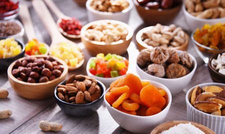 Composition with dried fruits and assorted nuts. Delicacies. Imagens