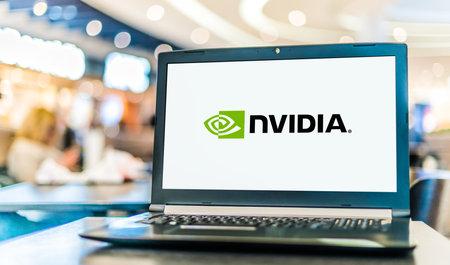 POZNAN, POL - NOV 12, 2020: Laptop computer displaying logo of Nvidia, an American multinational technology company 新聞圖片