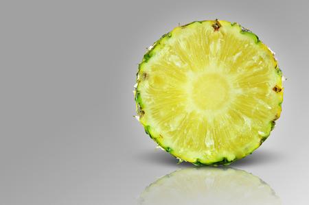pineapple slice: pineapple slice