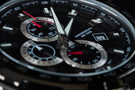 cronógrafo: hombre lujo detalle reloj accesorio, cronógrafo macro Foto de archivo