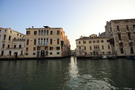 View of old historic and residential buildings along the Grand Canal, Venice, Italy Standard-Bild - 131712583