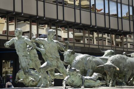 Pamplona, Spain - June 4, 2019: Monument in honor of the bull run, made by Rafael Huerta, in Pamplona,  the capital of the Navarre Community, Spain. 新聞圖片