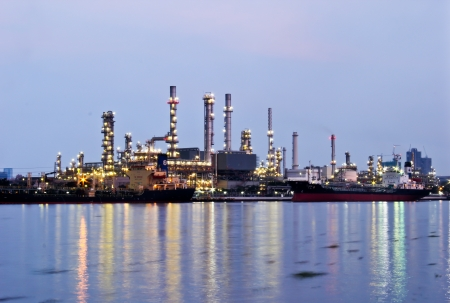 Oil refinery industrial plant Stock Photo - 16372811