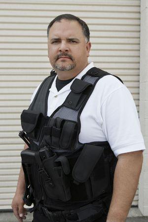 bulletproof: Retrato de guardia de seguridad en el chaleco antibalas