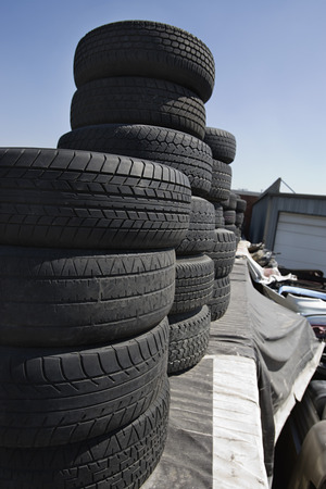 junkyard: Neum�ticos en Junkyard