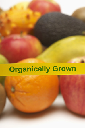 western script: Organically grown fruits LANG_EVOIMAGES