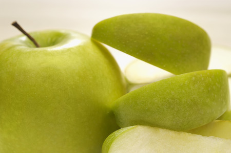 granny smith: Granny smith apple with peel