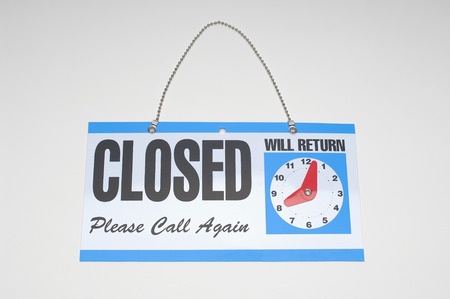 Sign reading Closed and Will Return Stock Photo - 3812816