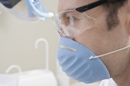 Doctor wearing mask Stock Photo - 4925993