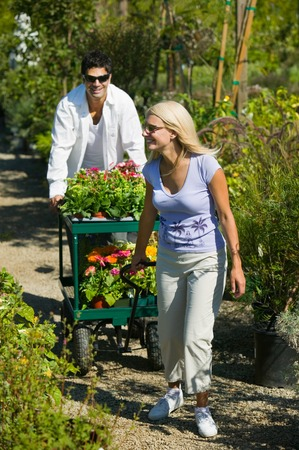 opting: Couple Shopping for Plants