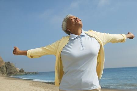 autonomia: Superar la mujer con la felicidad