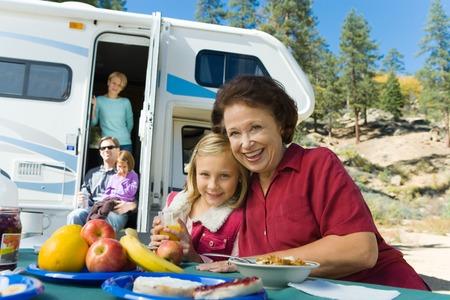 actividades recreativas: Familia en vacaciones LANG_EVOIMAGES