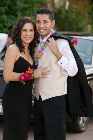 leis: Coppia dressed per Prom