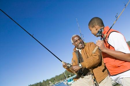 actividades recreativas: Abuelo y pesca de nieto