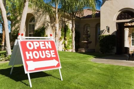open huis: Open Huis Log in Front Yard LANG_EVOIMAGES
