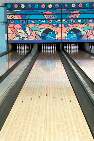 bowling alley: Bowling Lane LANG_EVOIMAGES