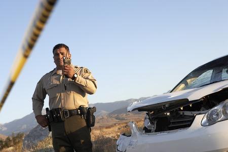 policier: Officier de police sur Talkie Walkie