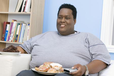 太りすぎの人はテレビを見て
