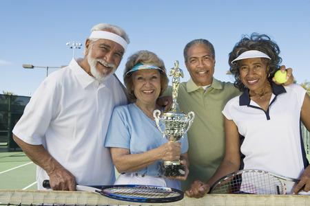 賞カップ テニス プレーヤー