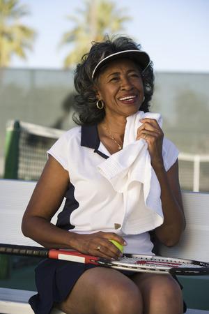 女性のテニス選手タオル地顔