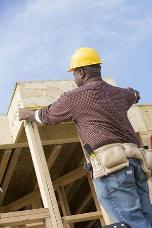 建物の建設労働者