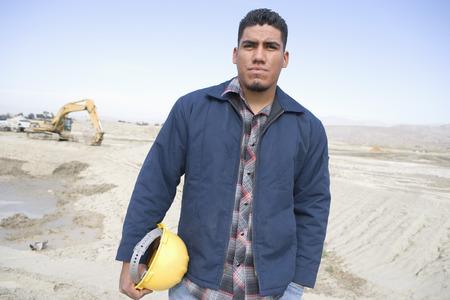 敷地では、建設労働者の肖像画