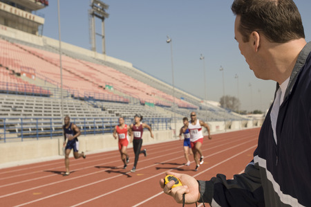 timing: Trainer timing runners on track