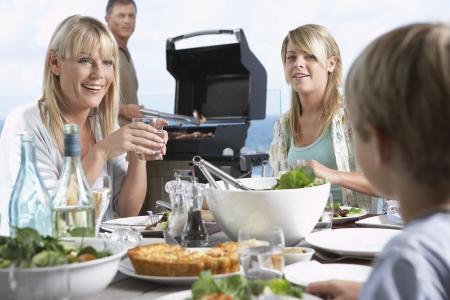Ayant de la famille Barbecue Banque d'images - 5487675