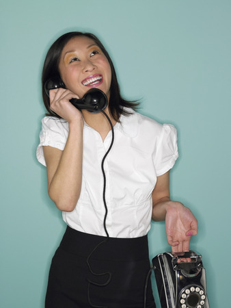 folder7: Woman on the Phone LANG_EVOIMAGES