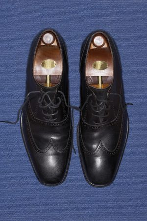 wingtips: Pair of Black Leather Wingtips LANG_EVOIMAGES