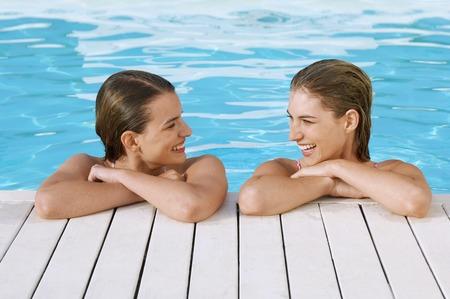 early twenties: Friends in Swimming Pool