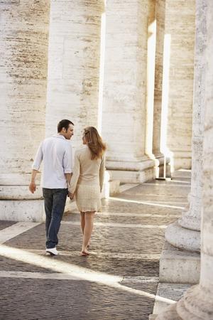 early twenties: Young Couple Traveling