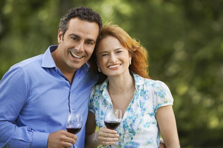 Couple Drinking Wine LANG_EVOIMAGES