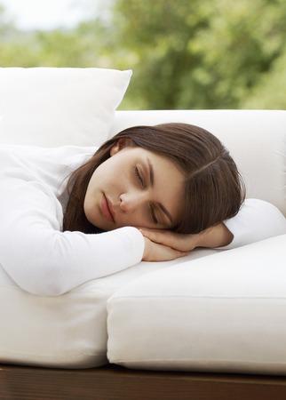 early twenties: Woman Sleeping LANG_EVOIMAGES