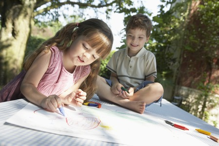 no kw 1: Two Children Coloring