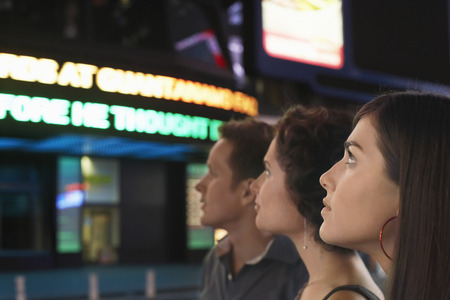 no kw 1: People Waiting in Line at Theater LANG_EVOIMAGES