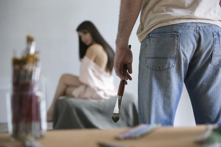 artist's model: Artist Observing Artists Model in Studio LANG_EVOIMAGES