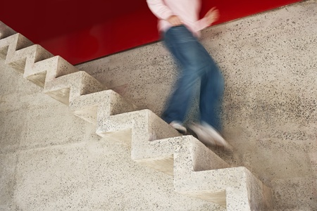 down stairs: L'uomo che scende le scale motion blur sezione bassi LANG_EVOIMAGES